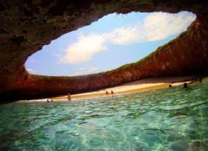 The-Hidden-Beach